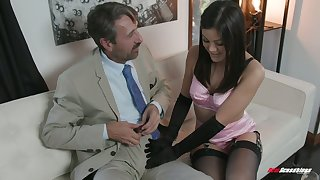 Man eating bawd Kendra Spade gives a blowjob to her elder statesman make more attractive abb