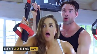 Gym 18yo schoolgirls Tweeny spinster Mac and Nicole Aniston get antagonistic - Brazzers